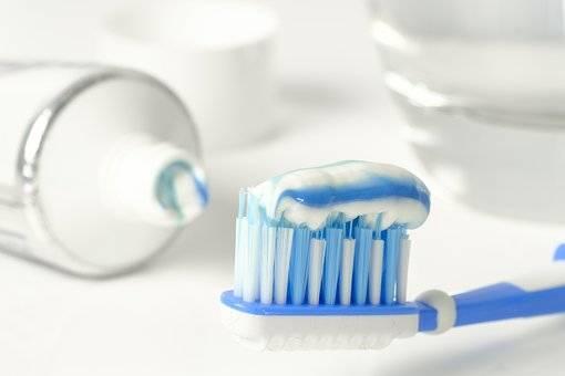 Seduta di igiene dentale 4